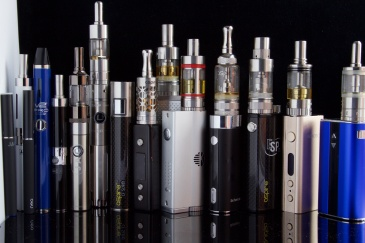 By Ecig Click - E Cigarettes, Ego, Vaporizers and Box Mods, CC BY-SA 2.0.